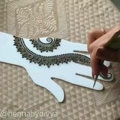 Latest Beautiful Hand Mehndi Designs 2019 - Step by Step Guide Basic Mehndi Designs, Latest Bridal Mehndi Designs, Finger Henna Designs, Indian Mehndi Designs, Mehndi Designs For Beginners, Mehndi Designs For Girls, Mehndi Designs For Fingers, Henna Designs Easy, Beautiful Henna Designs