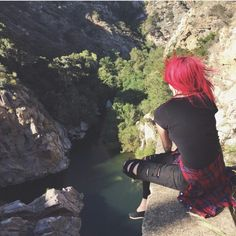 ((Open rp)) I look down at the water and sigh. Everyone was making friends and even getting into relationships. I play with my fingers as the wind blows through my hair. I feel someone tap on my back. ~Alex
