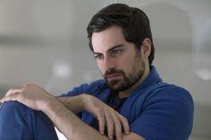 Rodolfo Valente as Rafael Moreira: 3%