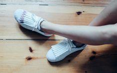 DIY: Fringe Sneaker & Gewinnspiel