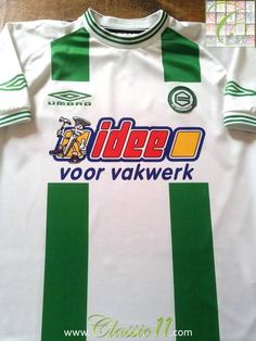 Relive Melchior Schoenmakers's 2001/2002 season with this original Umbro FC Groningen home football shirt.