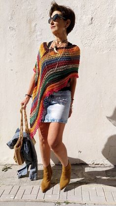 Multicolored boho poncho, vegan cotton poncho, hippie chic knit poncho, beach cover up, women knit poncho - Stola Stricken Hippie Chic, Boho Chic, Boho Style, Poncho Au Crochet, Knit Crochet, Style Bobo Chic, Shawls And Wraps, Boho Outfits, Ladies Dress Design