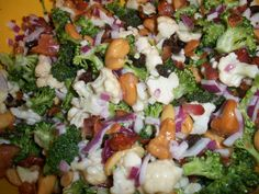 My mum makes this salad every Easter. Since this Easter I wasn't able to return to Massachusetts, I missed out on it. I decided to make it for a dinner pa… Healthy Salads, Healthy Recipes, Main Dishes, Side Dishes, Broccoli Cauliflower Salad, Looks Yummy, Vegetable Salad, Tasty, Yummy Food