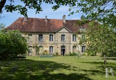 The 18th century, listed guest house of a 12th century convent along the Via Francigena on the outskirts of Burgundy - property for sale France - in Picardy, Nord-pas-de-calais, Lille, Champagne-Ardenne, Lorraine, Alsace and Franche-Comte region - Patrice Besse Castles and Mansions of France is a Paris based real-estate agency specialised in the sale of Residences.