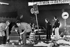 Seit über einem Jahr weigert sich das Bundesamt für Verfassungsschutz, Akten zum Bombenattentat auf das Münchener Oktoberfest vor über 35 Jahren herauszugeben. Am 26. September 1980 starben in Münc…