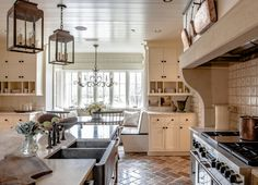 Delightful kitchen!