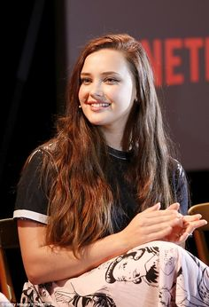 13 Reasons Why Season Did Hannah Baker reveal release date? Katherine Langford may have just dropped a huge hint about when 13 Reasons Why is returning to Netflix for season two Beauty Full Girl, Cute Beauty, Beauty Women, Beautiful Celebrities, Beautiful Actresses, Beautiful Women, Karen Gillan, Hair Facts, Chubby Cheeks