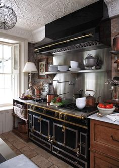 An English Country Style Home in Canada - An English Country Style Home in Cana. - An English Country Style Home in Canada – An English Country Style Home in Canada – Blue and W - English Country Decor, French Country Kitchens, Country Farmhouse Decor, French Country Decorating, Vintage Country, La Cornue, Country Style Homes, French Country Style, English Style