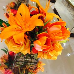 Around The Store: fresh flowers in celebration of the @UnitedWay Women's Leadership Summit event at NM Flagship.