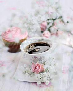 I Love Coffee, My Coffee, Coffee Time, Tea Time, Coffee Art, Raspberry Tea, Autumn Tea, Mason Jar Candles, Coffee Photography