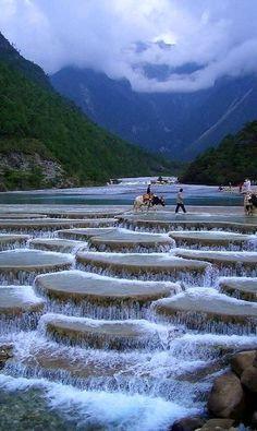 Valle de la Luna Azul, China. Enviado por: cancersintomas.com