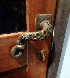 DVERE - klopadlá a kľučky Octopus door handle