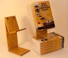 Enticing Cheap and Easy Way to Build the Best Kayak Storage Rack Ideas Diy Book Stand, Book Display Stand, Book Stands, Display Shelves, Book Displays, Retail Displays, Library Displays, Bookstore Design, Kayak Storage