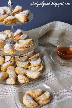 Cheese ravioli with apples Cheese Ravioli, Snowball Cookies, Cake Cookies, Sweet Recipes, Cookie Recipes, Food To Make, Food And Drink, Healthy Eating, Tasty