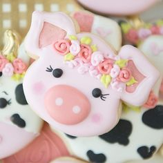 🐽🐖🐷 cutter and design from Farm Cookies, Iced Cookies, Cute Cookies, Yummy Cookies, Cupcake Cookies, Sugar Cookies, Cookies Et Biscuits, Pig Cupcakes, Cookie Icing