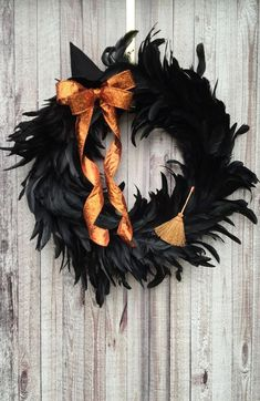 DIY Halloween Wreaths are easy to make and can be made using simple dollar store items. Make your Halloween door decorations special with these easy wreaths Halloween Witch Wreath, Creepy Halloween Decorations, Spooky Decor, Halloween Party Decor, Happy Halloween, Scary Halloween, Outdoor Halloween, Halloween Bathroom, Homemade Halloween