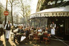 Cafe de Flore i Paris. Dødsdyrt, men stilig! Paris, Places Ive Been, Images, Fair Grounds, Bistros, France, Cityscapes, World, Posters
