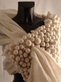 Exquisite felted shawl by Charlotte Bush. Not much known about the felt artist/designer. via Renew Gallery Fabric Manipulation Techniques, Mode Crochet, Creative Textiles, Nuno Felt Scarf, Nuno Felting, Needle Felting, Felt Art, Felt Flowers, Fabric Art