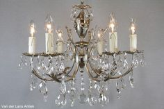 Barokke Franse kroonluchter 25605 bij Van der Lans Antiek. Meer antieke lusters op www.lansantiek.com