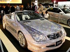 OMG GLITTER CAR! I think my life would be complete