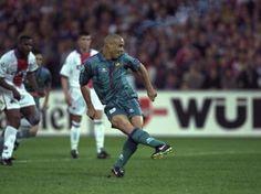 14/5/1997 Final Recopa de Europa, De Kuip Stadium, Rotterdam, FC Barcelona, 1- PSG, 0. Gol de Ronaldo (penalty).