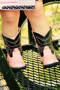 Cowgirl Party - pink and black