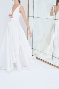 Carolina Herrera Bridal Fall 2018 Collection Photos - Vogue