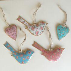 Vintage style hanging birds