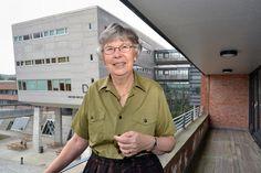 Æresdoktor i Estland  Professor Barbro Grevholm ved Fakultet for teknologi og realfag er nylig utnevnt som æresdoktor ved universitetet i Tallin. Hun får utmerkelsen på grunn av sitt langvarige og fruktbare samarbeid med det estlandske universitetet.