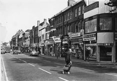 The Town 1970s Vintage London, North London, Historical Photos, Nostalgia, The Past, Street View, Curlers, 1970s, Childhood