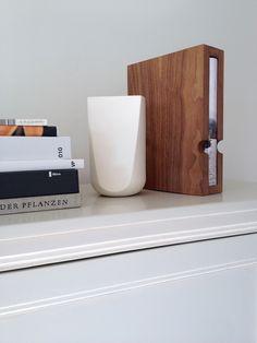Eenboekskast notenhout