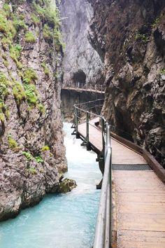 Macht euch mit uns auf die Suche nach versteckten Geistern und Dämonen in einer der schönsten Klammen im Norden von Tirol. Places To Travel, Places To See, Travel Destinations, Holiday Places, Travel And Leisure, Germany Travel, Beach Trip, Travel Photography, Beautiful Places