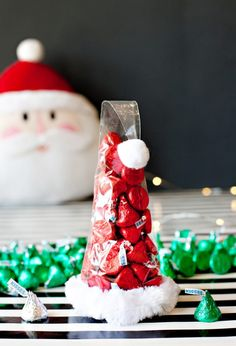 Chocolate Santa Hat Holiday Gifts + Free Printable - Chocolate Santa Hat Holiday Gifts + Free Printable // Hostess with the Mostess® - Christmas Party Favors, Cheap Christmas Gifts, Diy Holiday Gifts, Homemade Christmas Gifts, Christmas Goodies, Christmas Treats, Christmas Projects, Christmas Holidays, Christmas Decorations