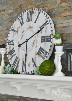 Make a Giant Reclaimed Wood Clock from an Electrical Reel #12MonthsofDIY | The DIY Mommy