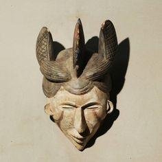 Guarda questo articolo nel mio negozio Etsy https://www.etsy.com/it/listing/487285491/abayomi-african-mask-from-etnia