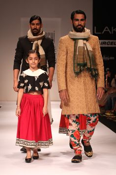 sabyasachi speaks for itself but love how they wrapped the scarfs