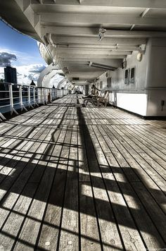 """500px / Photo """"Ship Entering Port 