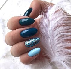 Beautiful Blue Nails Ideas For Your Appearance 23 - If you have rejected the notion of wearing blue nail polish in the past, it's time to reassess your position. Although blue nails were once associated. Winter Nails 2019, Winter Nail Art, Winter Art, Dark Winter, Autumn Nails, Winter Nail Colors, Winter Acrylic Nails, Teal Acrylic Nails, Winter Green