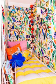 How To Make Regular Wallpaper Removable - Studio DIY Bold Wallpaper, How To Hang Wallpaper, Reading Nook Closet, Kid Closet, Diy Schmuck, Traditional Wallpaper, How To Make Light, Blue Pillows, Lights Background