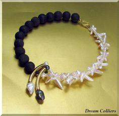 Perlenketten - edle Kontraste - Zuchtperlen - Lavacollier - ein Designerstück von Dream-Colliers bei DaWanda