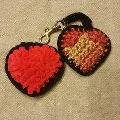 Pour la st valentin.. Bijoux de sac ou porte cle...au choix.. Plein d autres couleurs....😉