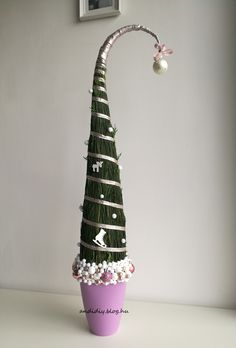 Christmas Crafts, Christmas Decorations, Christmas Ornaments, Holiday Decor, Grinch Trees, Xmas Tree, Wreaths, Gifts, Ideas