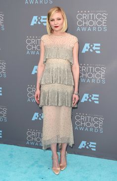 Kirsten Dunst at the Critic's Choice Awards with skincare from #intraceuticals