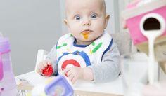 Hvor mye mat skal babyen spise i starten ved introduksjon av fast føde? Barn utvikler seg forskjellig. Noen er klare fra 4-5 mnd, andre trenger lengre tid.