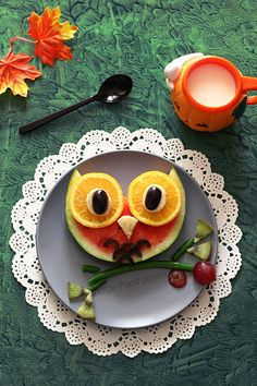 owl made out of fruit, fun food kids snacks Cute Snacks, Fruit Snacks, Cute Food, Healthy Snacks, Good Food, Bonbon Fruit, Food Art For Kids, Food Kids, Kids Food Crafts