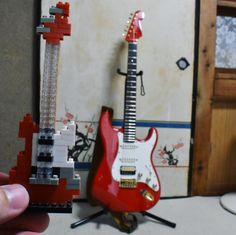 "35 mentions J'aime, 2 commentaires - Shota Uenaka (@gt.38914) sur Instagram : ""#guitar #guitars #stratocaster #strato #nanoblock #pproject #p_project #madeinjapan #japan #dslr…"""