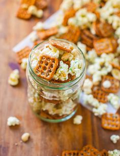 Parmesan Ranch Snack Mix. Crunchy, addictive & ready in less than 5 minutes for those impromptu parties or munchies from @Averie Sunshine {Averie Cooks}