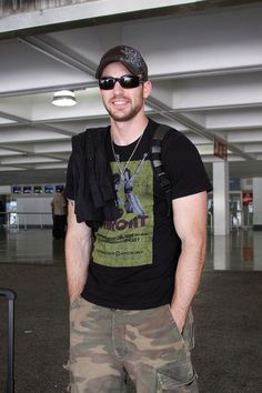 This is the Chris I hope to meet someday...the t shirt, ball cap, scruff, just me Chris.