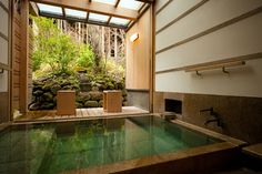 Japanese Hotsprings it's soooo pretty! Japanese Bath House, Japanese Spa, Japanese Bathroom, Japanese Home Decor, Spring Architecture, Japanese Architecture, Beautiful Space, Beautiful Homes, Indoor Jacuzzi