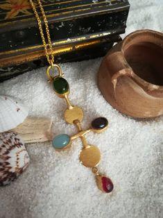 Collar con Cruz Bizantina con piedras semi preciosas   Etsy Jewellery, Creative, Etsy, Cross Necklaces, Carnelian, Rocks, Handmade Gifts, Hand Made, Jewels
